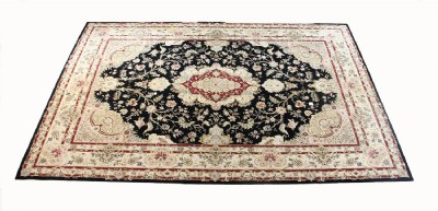 Exquisite Silk And Wool Area Rug