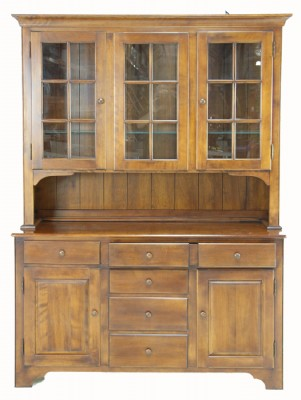 Wooden Lighted Hutch