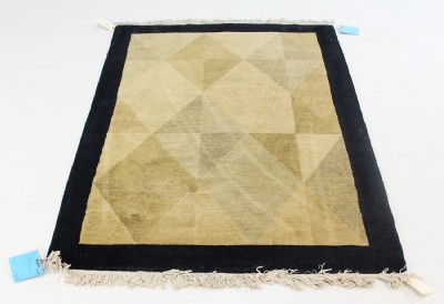 100% Wool Contemporary Rug